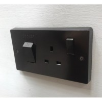 'Bakelite' 45A Cooker Switch & Single 13A Socket - Square Edge