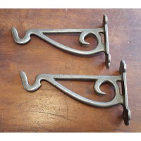 Cast Iron - Country Brackets - With Hook - 51/2 x 9""