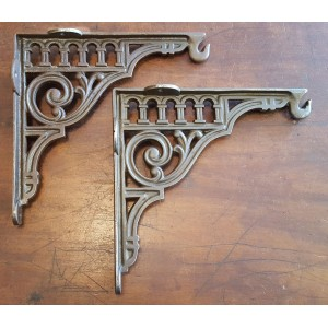 "Cast Iron - Large Bracket With Hook - 10"" x 10.5"""